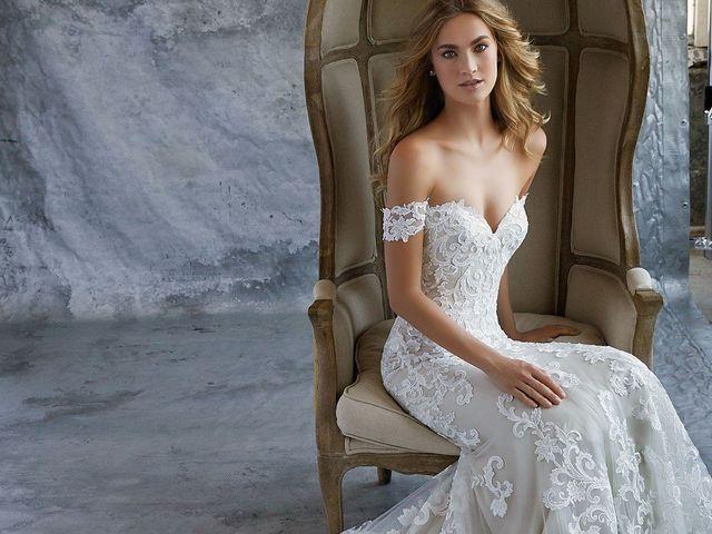 Vestidos de novia con hombros caídos 2019: el escote romántico y sensual que estabas buscando