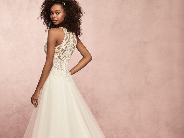 35 vestidos de novia que alargarán tu figura: ¡atención novias bajitas!