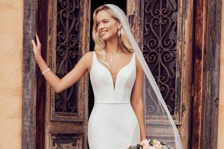 101 vestidos de novia con escote en V: descubre las tendencias 2021 más reveladoras