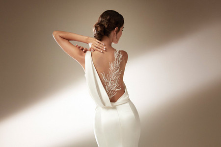 70 espaldas más bellas en vestidos de novia 2021, ¡estos son los diseños que te dejarán sin aliento!