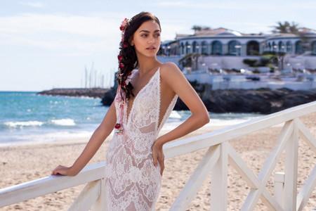 ¿Te casas en verano? Descubre 40 vestidos de novia 2020 perfectos para la estación estival