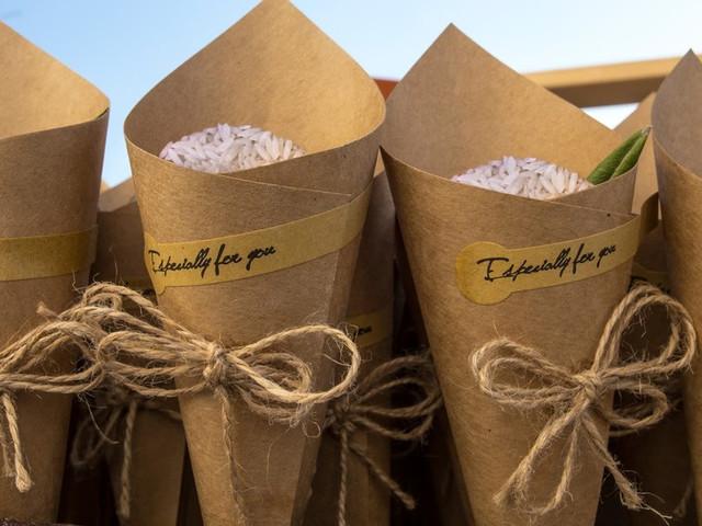 DIY: Conos de papel kraft para llevar el arroz o el confeti
