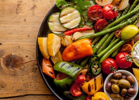 5 superalimentos esenciales para perder peso y sentirte saludable