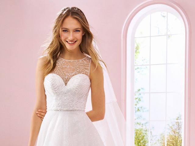 Vestidos de novia 2020 escote ilusión: 45 diseños románticos ¡lo que estás buscando!