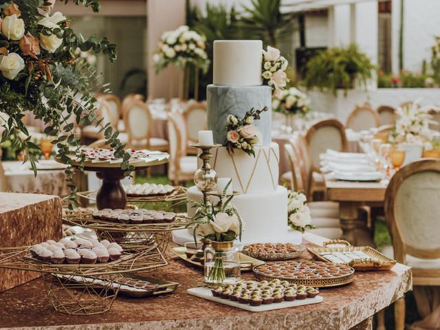 Una delicia para recordar: ¿torta de matrimonio o mesa de dulces?