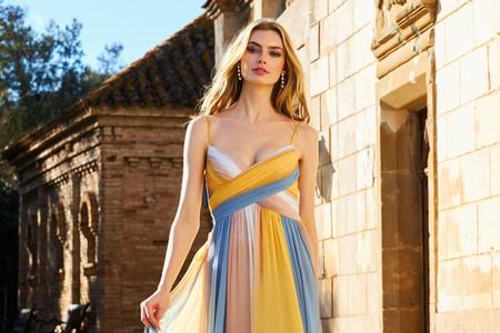 Tendencias en vestidos de fiesta 2021 perfectas para un matrimonio en verano