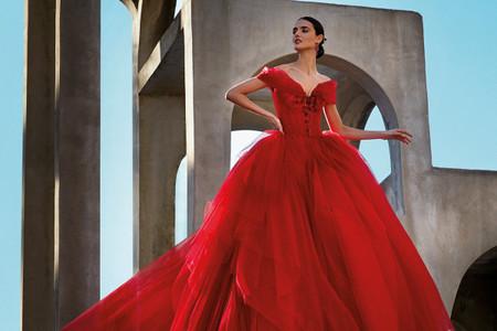 Vestidos de novia rojos 2021: el look bridal más apasionante