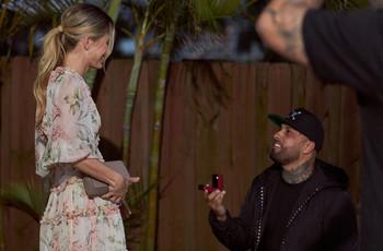 Nicky Jam se ha comprometido con la modelo Cydney Moreau
