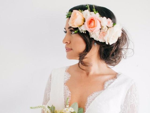 Novias con flores en el cabello: 6 cosas que debes saber para elegirlas