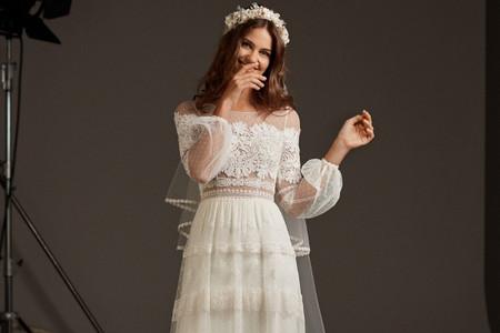 Vestidos de novia Pronovias 2020: festín de detalles que te harán brillar