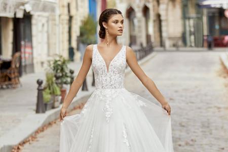 Vestidos de novia con magia: Rosa Clará 2021