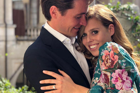 La princesa Beatrice de York se comprometió con Edoardo Mapelli