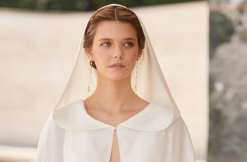 Capas y abrigos de novia Rosa Clará 2021: ¡complementos de ensueño para tu look bridal!