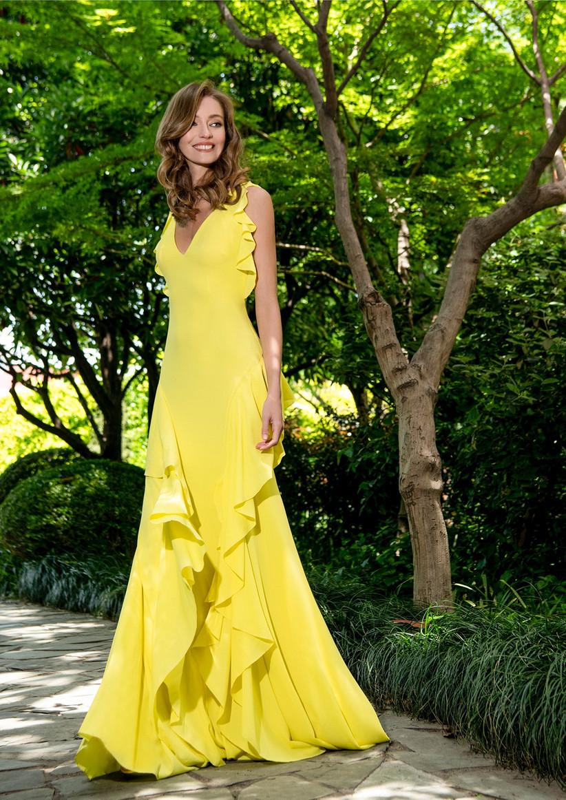 vestido de fiesta amarillo con escote en V