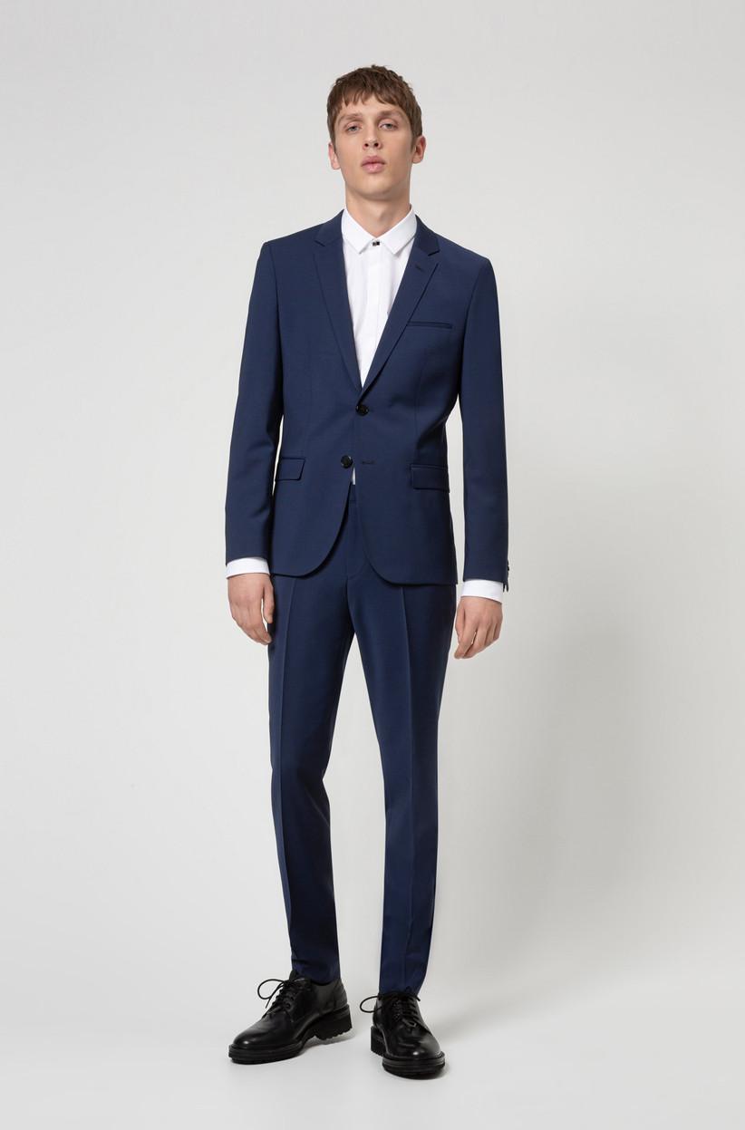 terno de novio azul marino Boss 2021