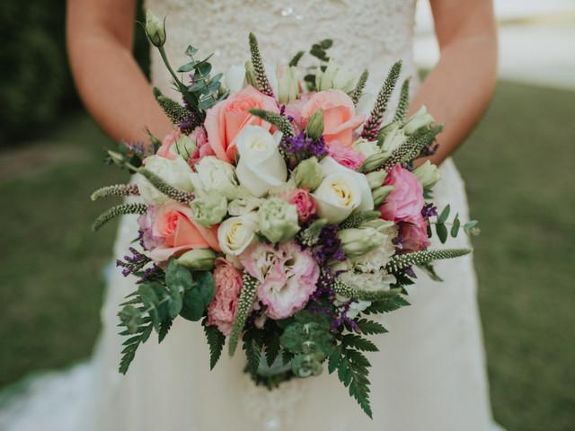 Bouquet de novia para una boda en invierno: ¡dale vida a tu look bridal!