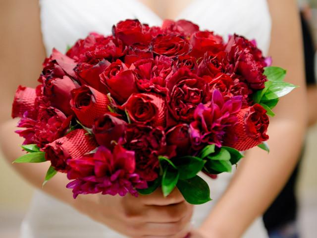 Tendencia imperdible: los más bellos bouquets monocolor para novias