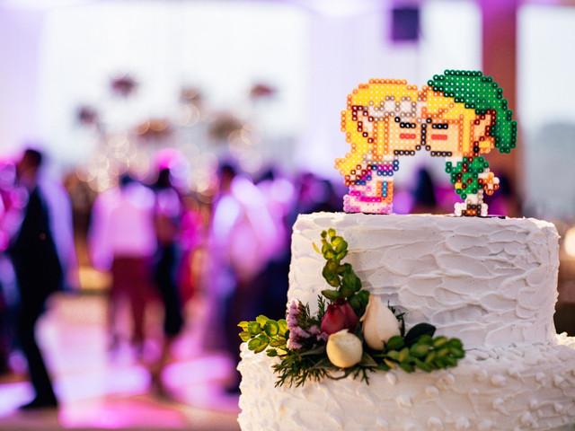 8 materiales perfectos para los cake toppers de su torta de matrimonio