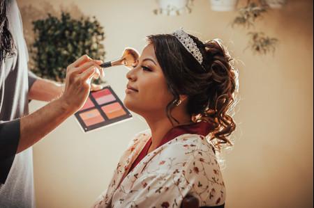 6 claves para elegir al mejor profesional del maquillaje y peinado