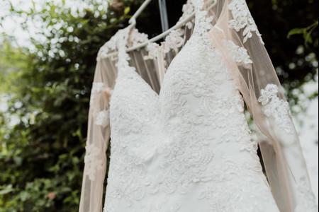 Encaje o satén: ¿qué tejido prefieres para tu vestido de novia?