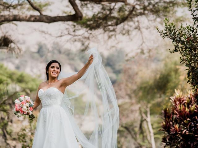 Vestidos de novia con cola o sin cola: ¿cuál eliges?