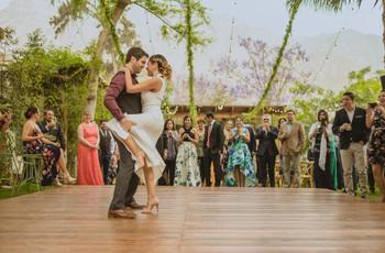30 canciones divertidas para su primer baile de bodas