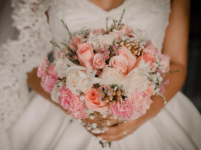 Su matrimonio en color rosa: ¡símbolo de solidaridad y valentía!