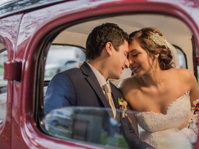 8 ideas para unas fotos de ensueño con el auto de su boda