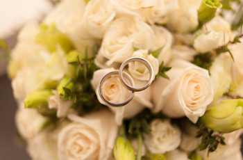 Argollas de matrimonio de titanio: calidad y elegancia en tus manos