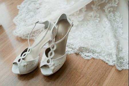 50 zapatos de novia 2019: brillos que te harán desfilar como una diva