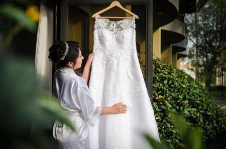 Tejidos para tu vestido de novia: ¿cuál usar según la época del año?