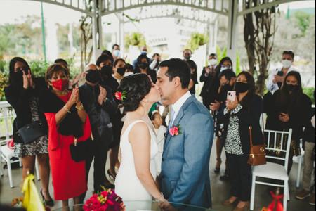 Descubran las tareas que les facilitará el organizador de invitados de Matrimonio.com.pe