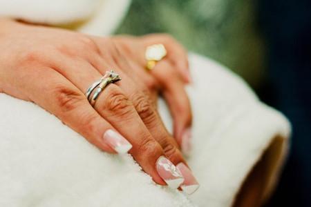 Manicure con diseño para novias: 7 increíbles ideas para tus uñas