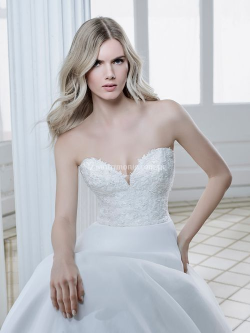 DS 202-01, Divina Sposa By Sposa Group Italia
