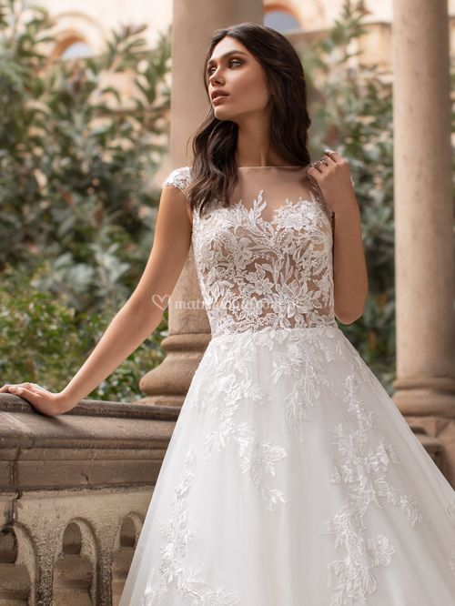 GRIFFITH, Pronovias