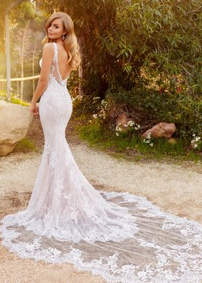 22026, Mon Cheri Bridals