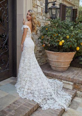 EVELYN, Casablanca Bridal