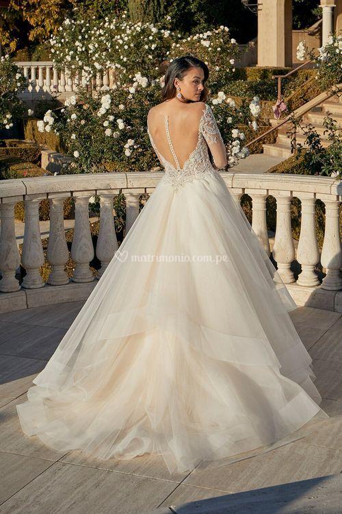 Ellen, Casablanca Bridal