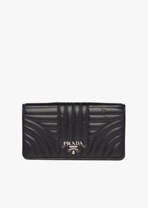 P 028, Prada