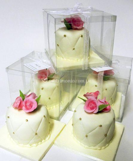 Mini tortas en cajitas