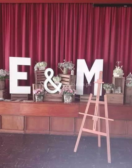 Matrimonios, letras decorativas
