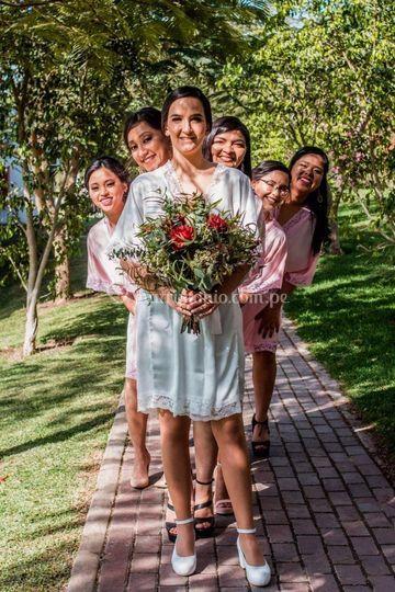Pack bata de novia y damas