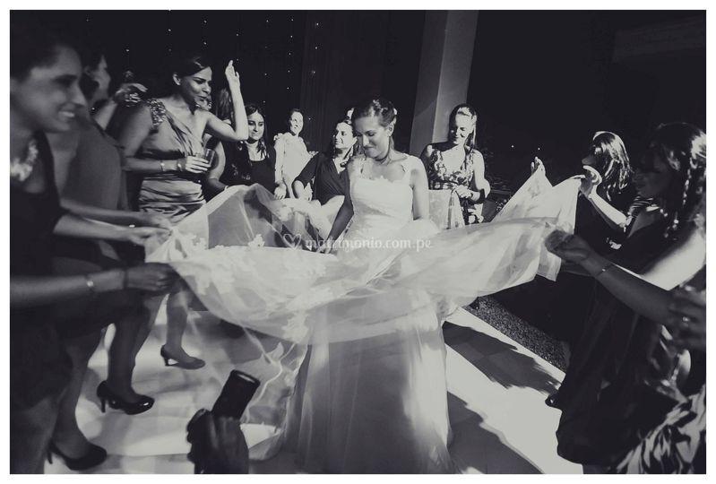 Valeria y Joshua Weddings