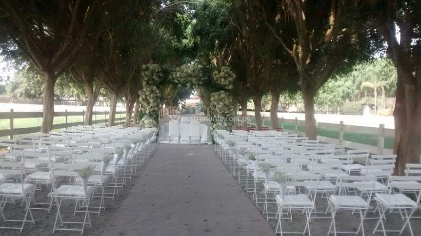 Matrimonio en terraza rustico