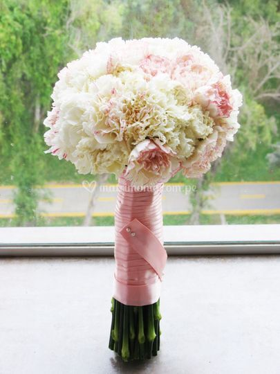 Bouquet claveles importados