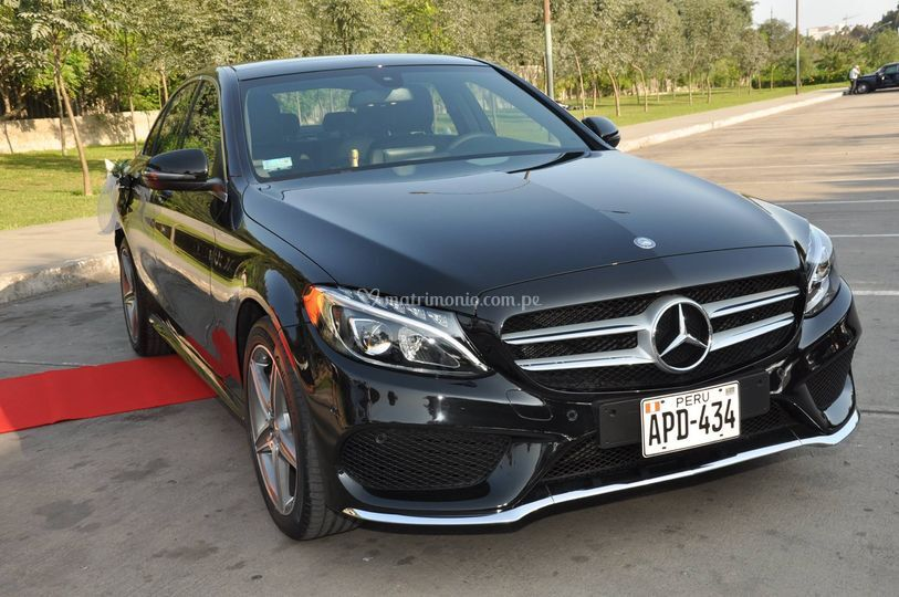 Auto Mercedes Benz de Seguridad Integral Eventos