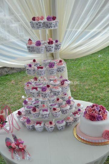 Torre de cup cakes para boda