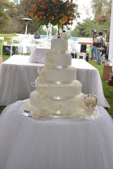 "Torta ""jazmín"" para boda"