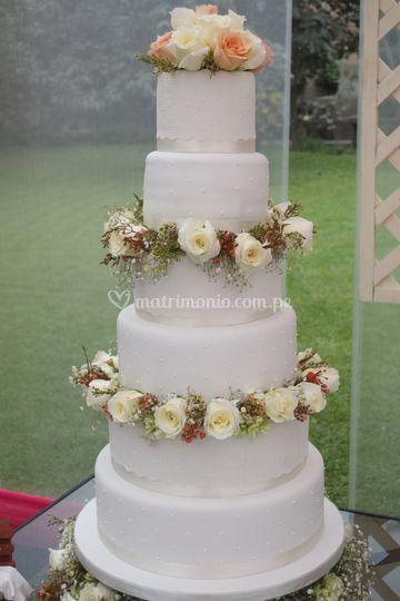 Dos pisos cake flor natural