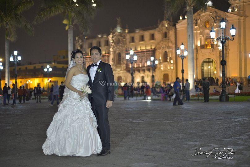 Los novios en la Plaza de Armas